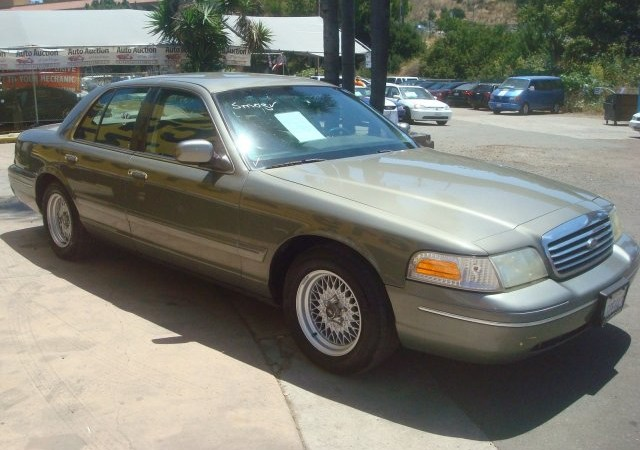 1999 Ford Crown Victoria | Auto Auction of San Diego